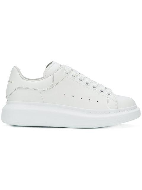 Alexander Mcqueen Raised-Sole Low-Top Leather Trainers In 9000 White