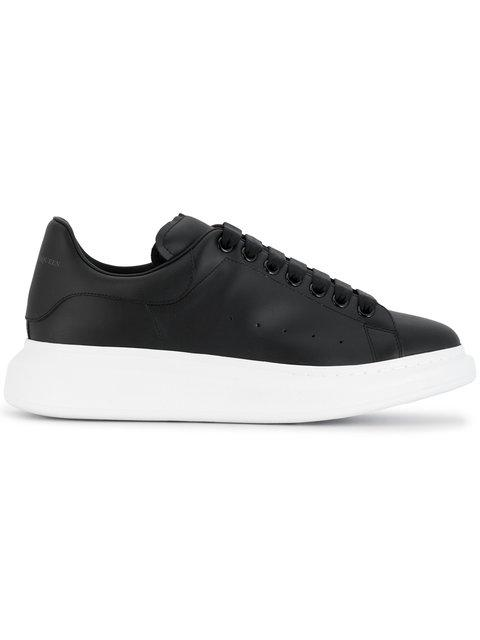 Alexander Mcqueen Men's Bicolor Leather Low-top Sneakers In Black