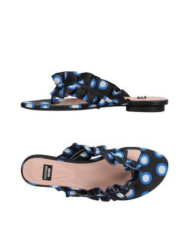 Boutique Moschino Polka Dot Ruffled Thong Sandals In Blue