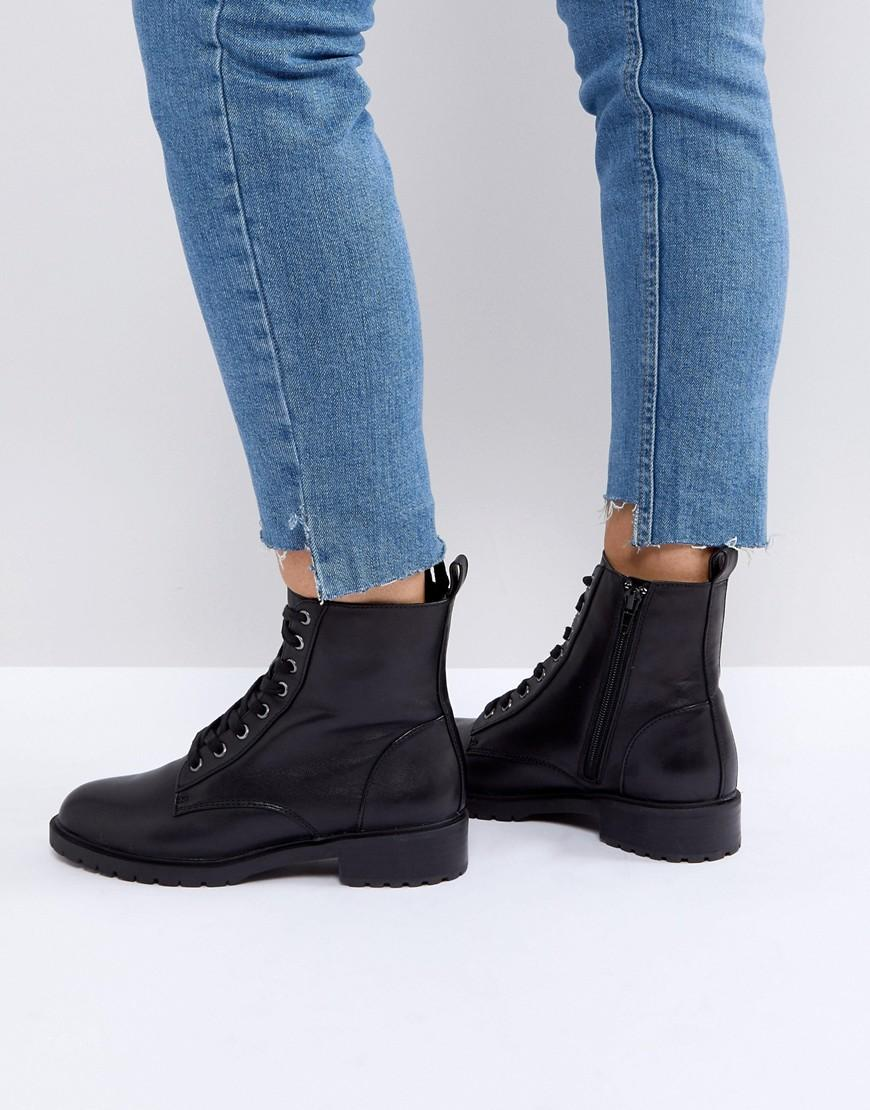 1c2c2cb464d OFFICER LEATHER FLAT LACE UP ANKLE BOOTS - BLACK