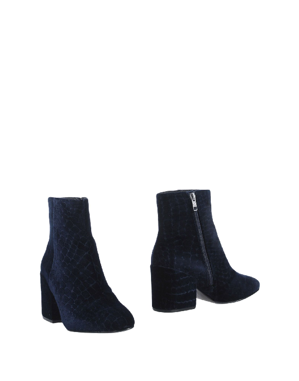 Ash Ankle Boot In Dark Blue