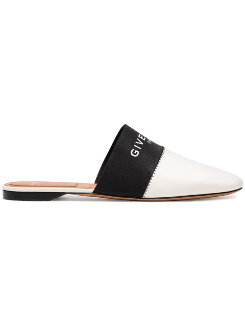 Givenchy Bedford Flat Mu Loafers In Beige Leather In Black