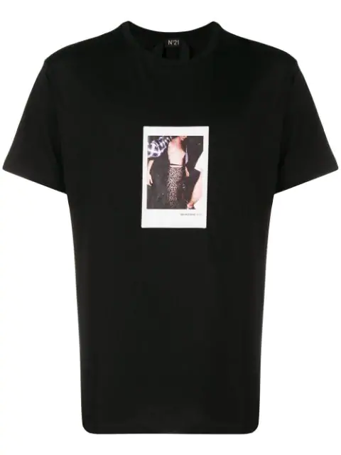N°21 Photographic Print T In Black