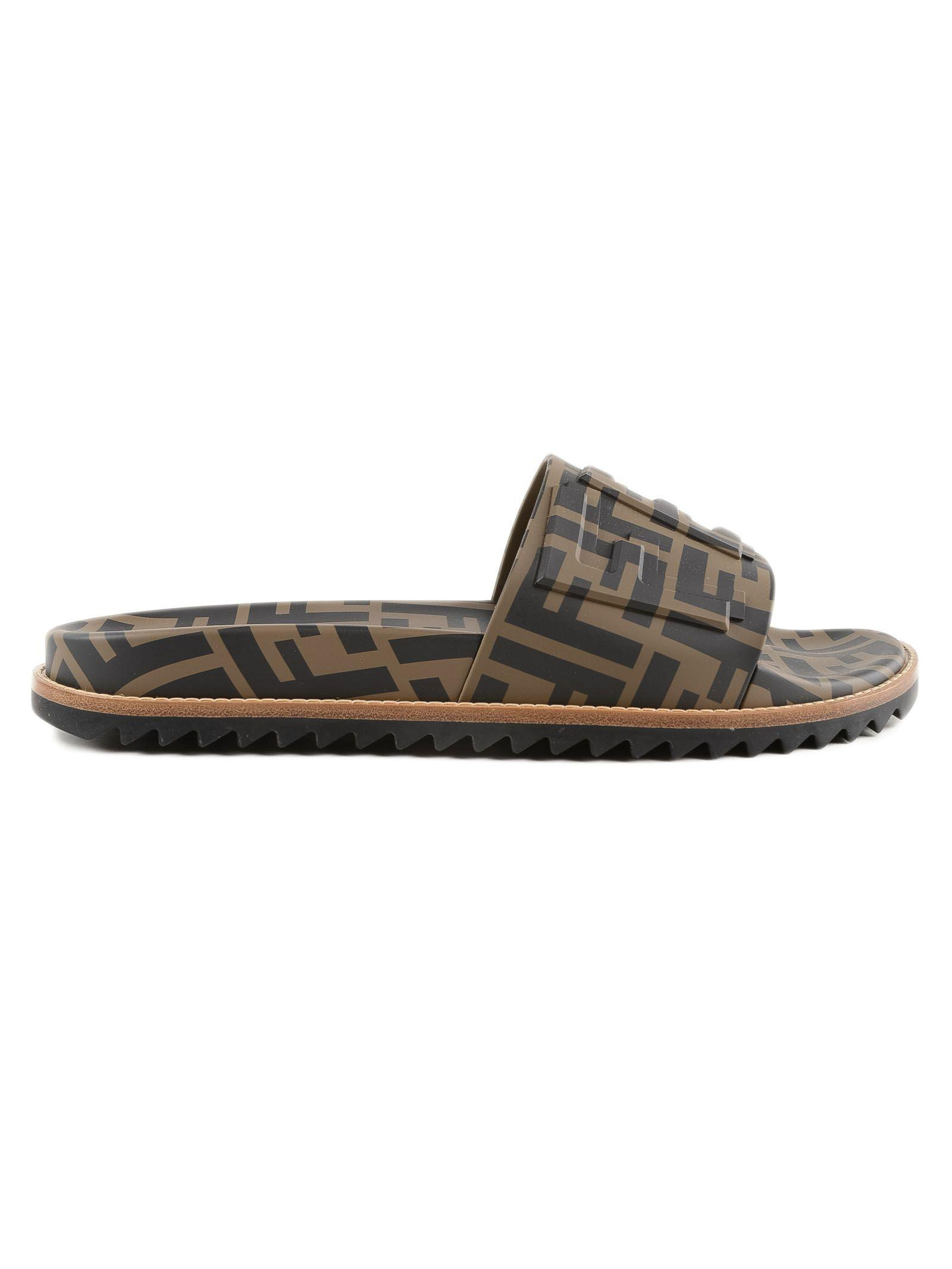 1d5013570 Fendi Men's Rubber Pool Slide Sandals W/ Raised Logo Detail In F1425-Maya  Nero
