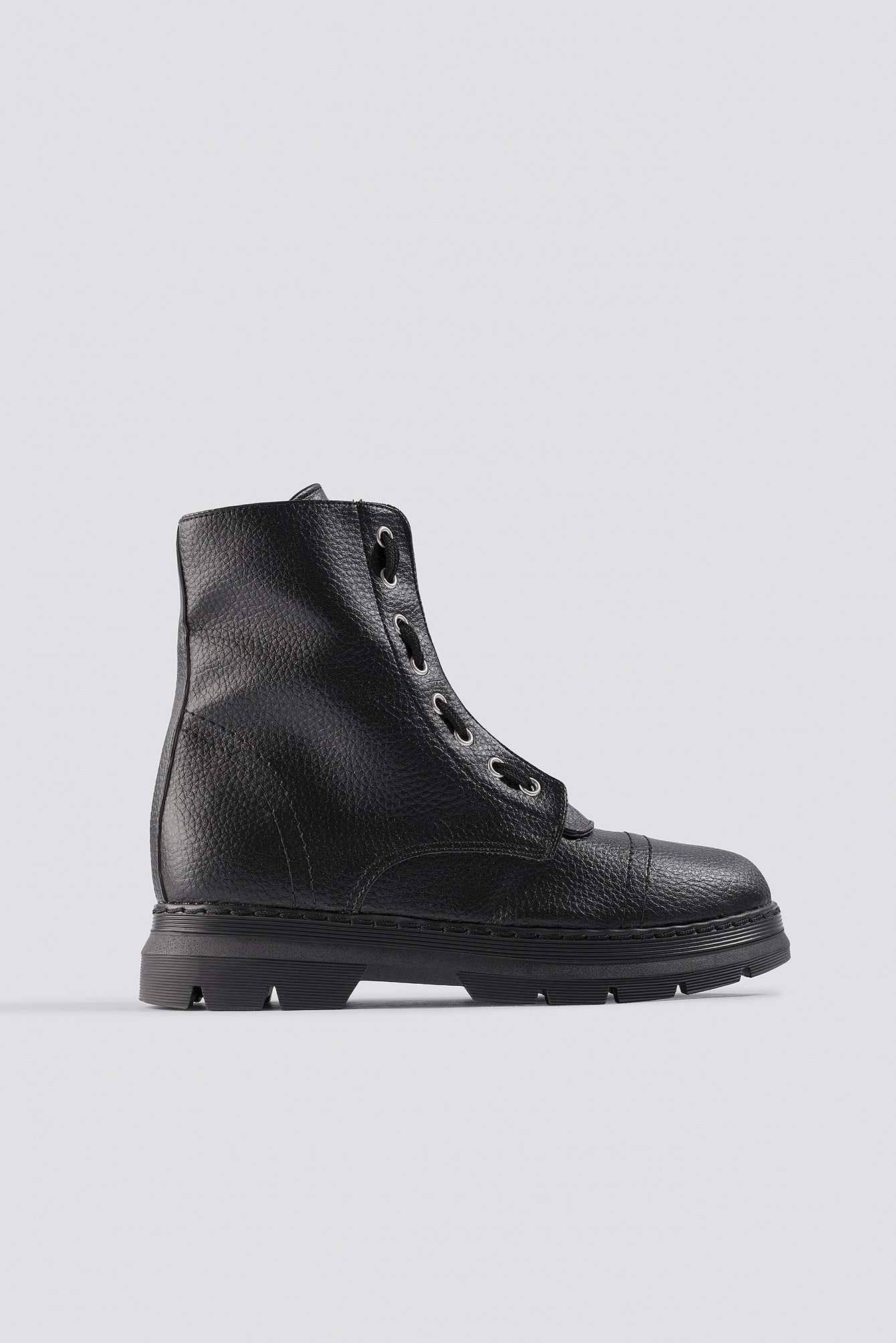 low priced abed2 b6a33 Na-Kd Chunky Profile Combat Boots - Black