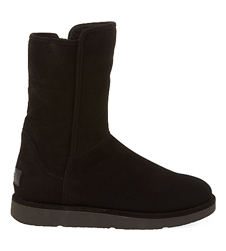 Ugg Abree Short Suede Ankle Boots In Black