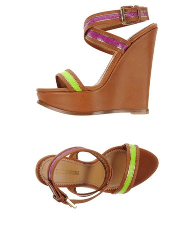 Dsquared2 Sandals In Camel