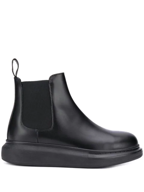 Alexander Mcqueen Lateral Elastic Leather Upper And Sole Chelsea Boots In Black