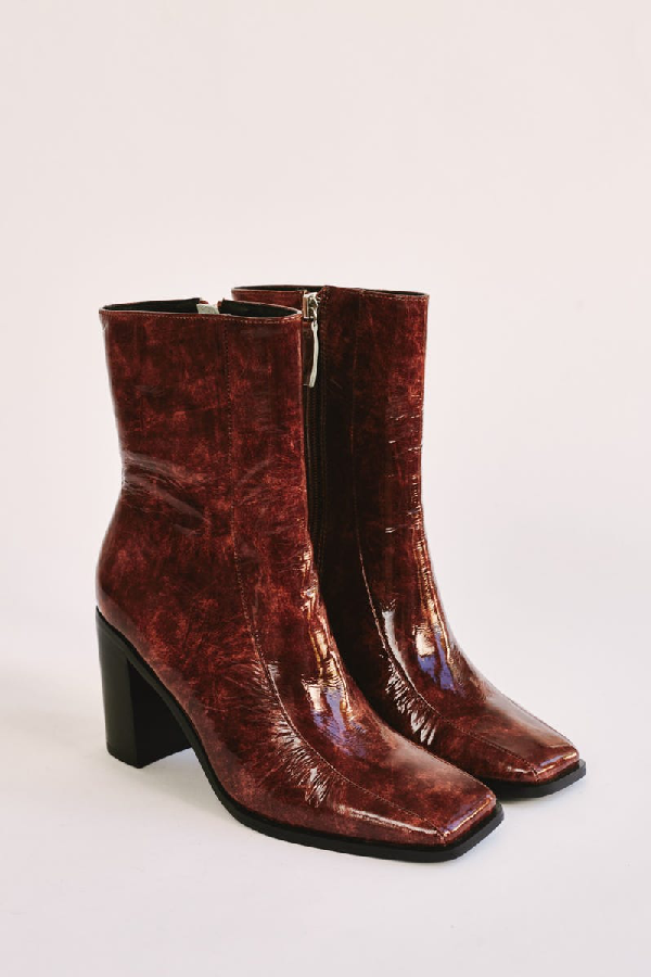 Jaggar Bold Ankle Boot In Chocolate