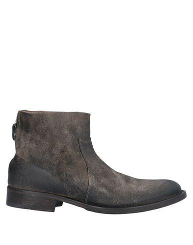 Htc Boots In Dark Brown
