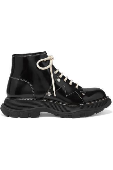 Alexander Mcqueen Contrast Stitching Chunky Outsole Patent Leather Combat Boots In 1090 Black Ivory Silver