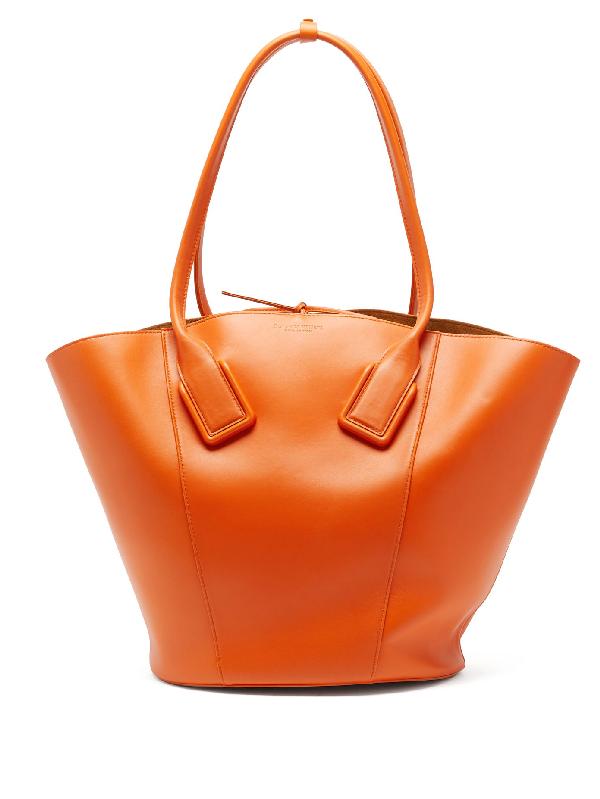 Bottega Veneta Medium Leather Basket Tote Bag In Orange
