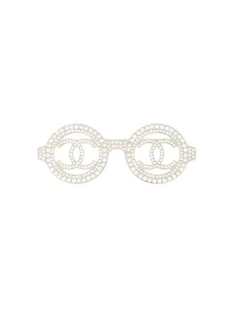 Chanel 2017 Rhinestone Glasses Motif Brooch In Silver