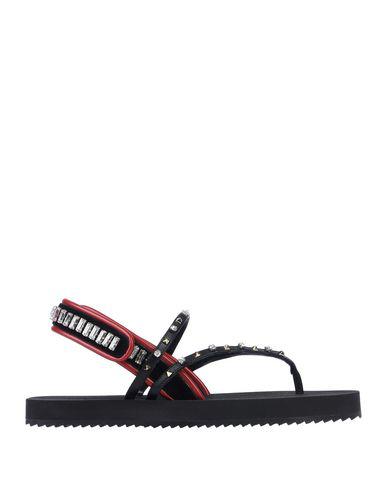 Valentino Garavani Flip Flops In Black