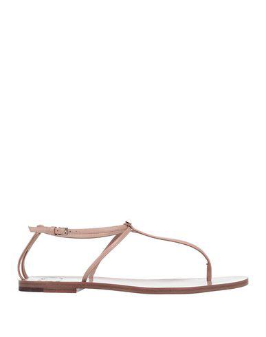 Valentino Garavani Flip Flops In Pale Pink