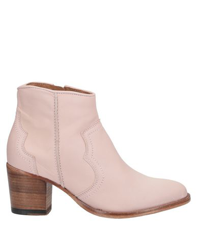 Catarina Martins Ankle Boot In Pink