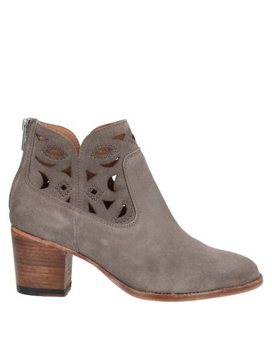 Catarina Martins Ankle Boot In Dove Grey