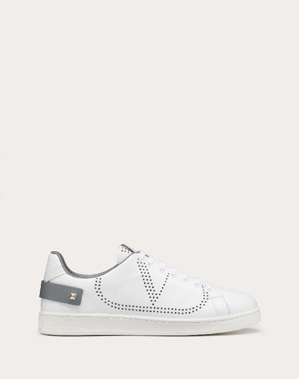 Valentino Garavani Uomo Backnet Vlogo Sneaker In White/Stone