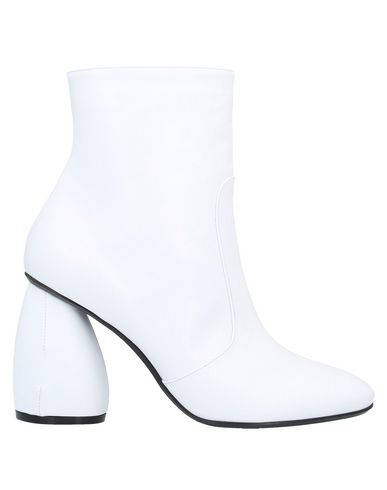 Carven Ankle Boot In White