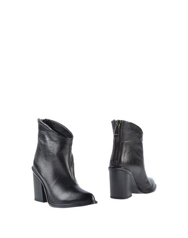 Diesel Ankle Boots In Black