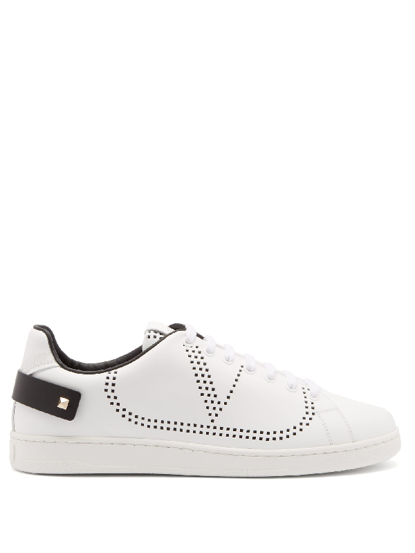 Valentino Garavani Low-top Sneakers Backnet Calfskin Logo Rivets Marine White
