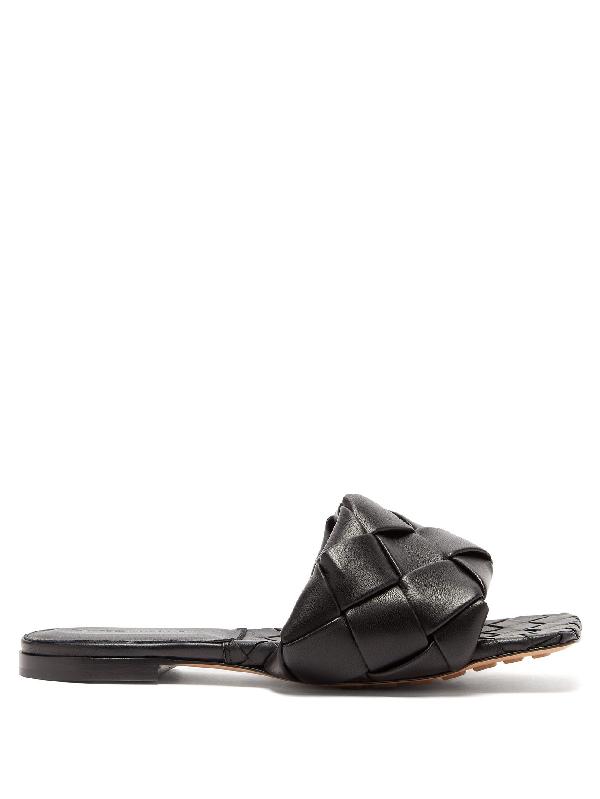 Bottega Veneta Lido Intrecciato Flat Leather Sandals In 1000 Black
