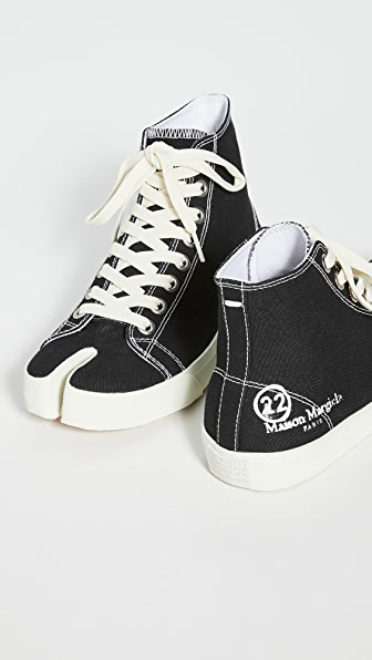 Maison Margiela Tabi Cleft-toe Canvas High-top Trainers In Black