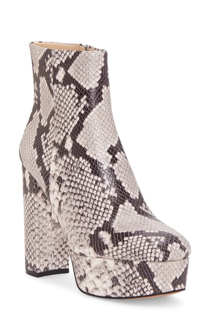 Vince Camuto Leslieon Square Toe Platform Boot In Black White Leather