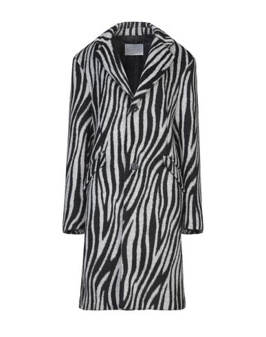 Route Des Garden Coat In Black