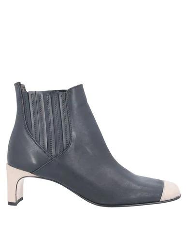 Alysi Ankle Boot In Black