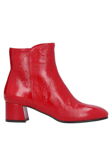 Cheville Ankle Boot In Red