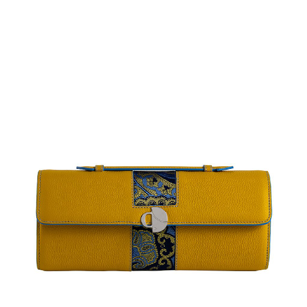 Chiara Daverio Scala In Yellow
