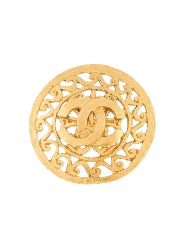 Chanel 1995 Cc Filigree Brooch In Gold