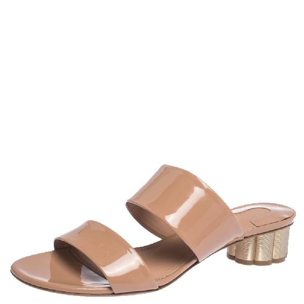 Salvatore Ferragamo Beige Patent Leather Belluno Floral Sandals Size 38