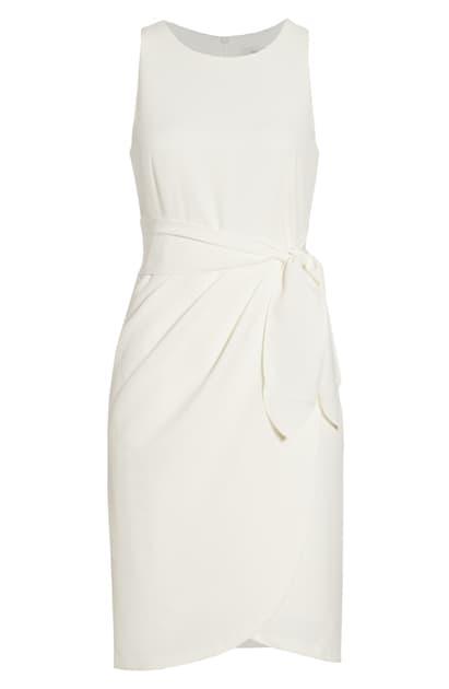 Julia Jordan Sleeveless Sheath Dress In Ivory
