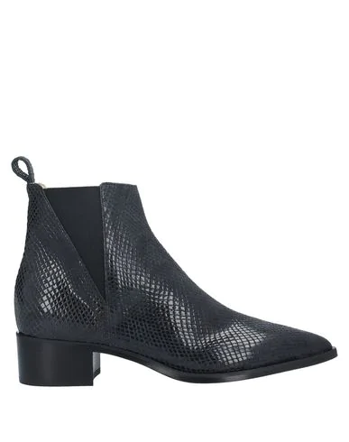 Pomme D'or Ankle Boot In Black
