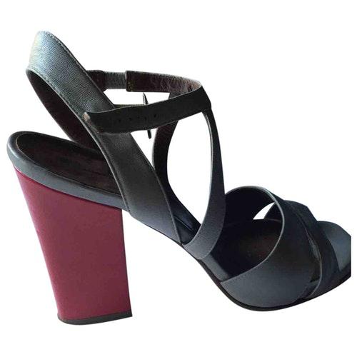 Fiorifrancesi Grey Leather Sandals