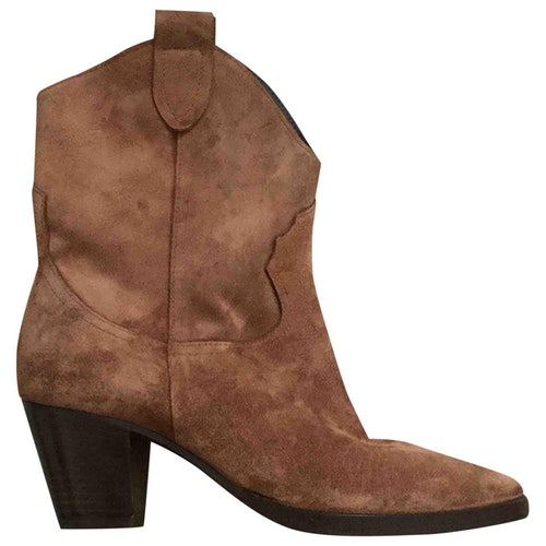 Fiorifrancesi Camel Suede Ankle Boots