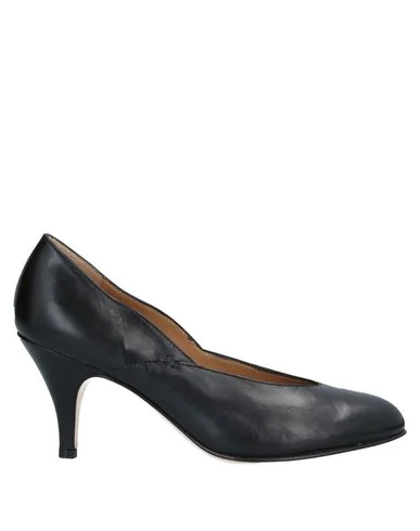 Pomme D'or Pump In Black