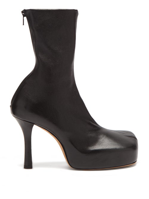 Bottega Veneta Bv Bold Square-toe Leather Platform Boots In Black