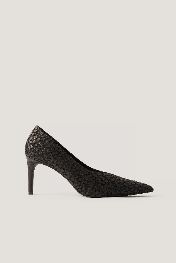 Na-kd Pointy V-cut Pumps Black