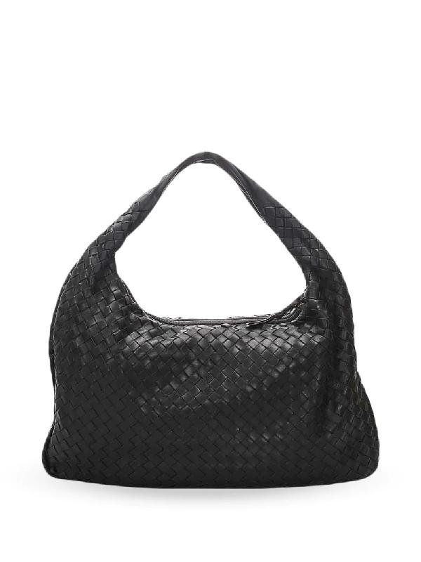Bottega Veneta Intrecciato Shoulder Bag In Black