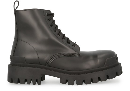 Balenciaga Strike 20mm Bootie Leather Boots In Black