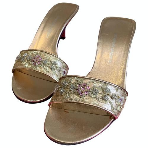 Emanuel Ungaro Gold Leather Sandals
