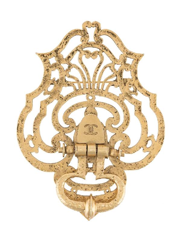 Chanel 1990s Door Knocker Brooch In Gold