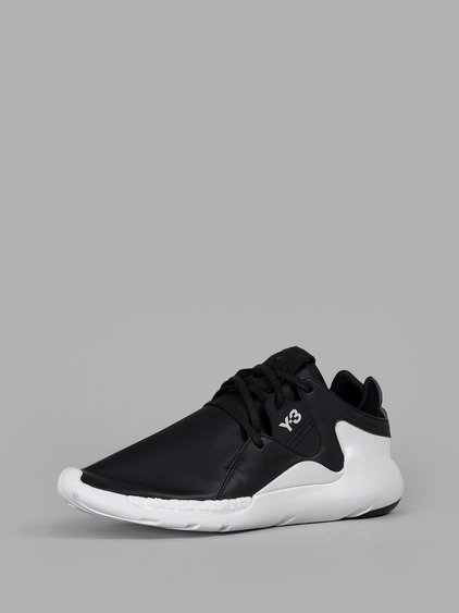 5d6b016a8e599 Y-3 Qr Run Low-Top Trainers In Black