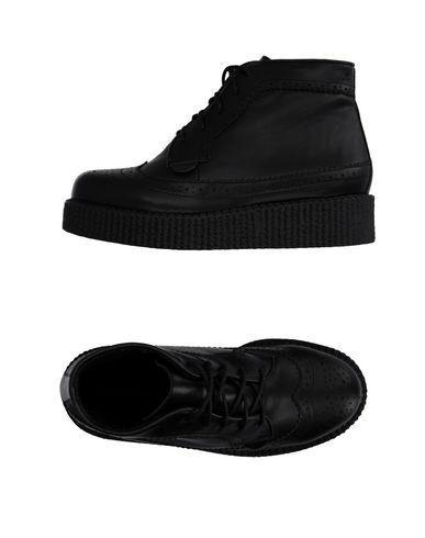 Underground Platform Lace Up Boots In Black