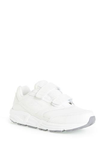 Brooks 'addiction' Walking Shoe In White