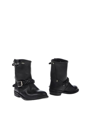 Golden Goose Ankle Boot In Black