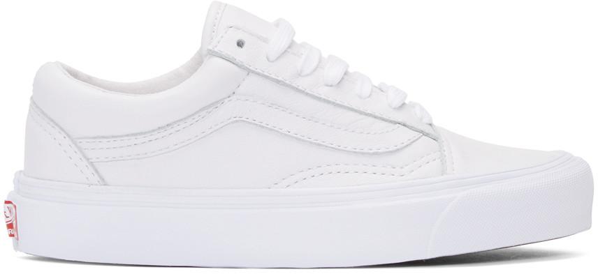 9dea659439 Vans Classic Old Skool Sneakers In White